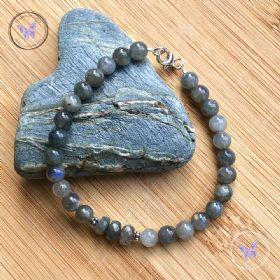 Labradorite Bead Bracelet With Facet Feature